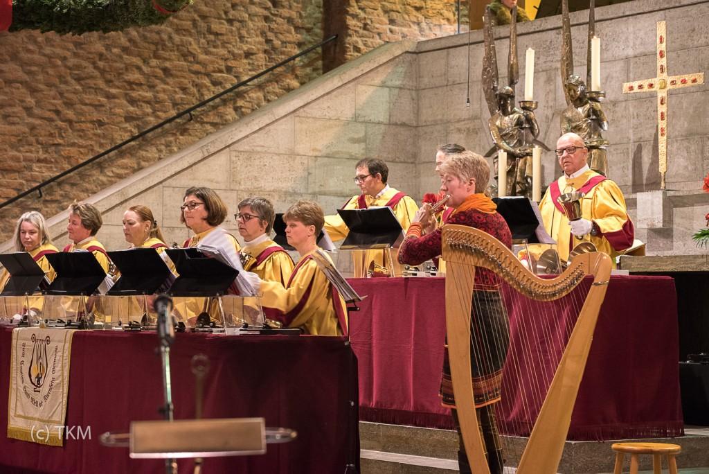 """Glockenchor """"First English Handbellchoir"""" mit Querflötenbegleitung"""